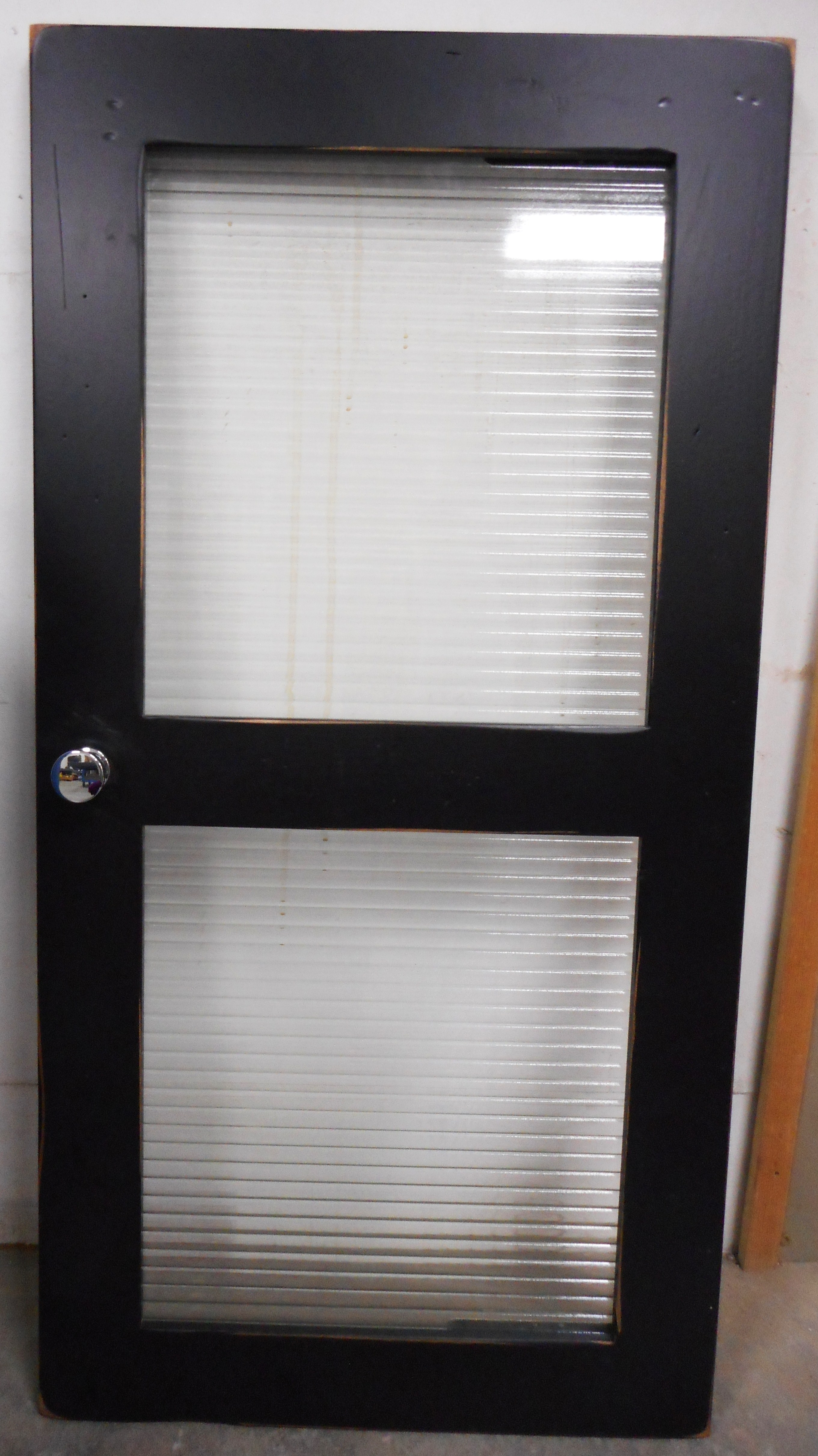 Specialty glass western glass company cabinet w 12 narrow reed pattern running horizontal eventelaan Image collections